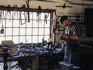 инструменти и машини